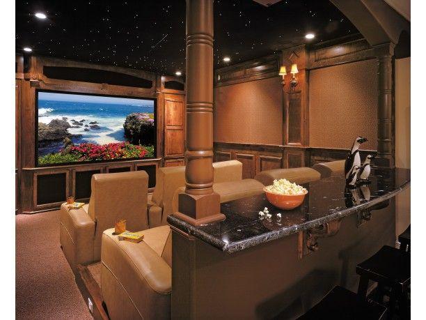 Micro cine en mansion de estilo mediterraneo