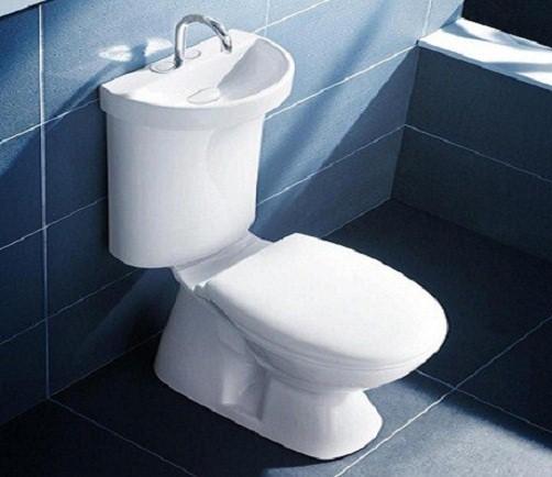 Baños Modernos Lavamanos:Con el mismo criterio de austeridad hay lavamanos instalados sobre los