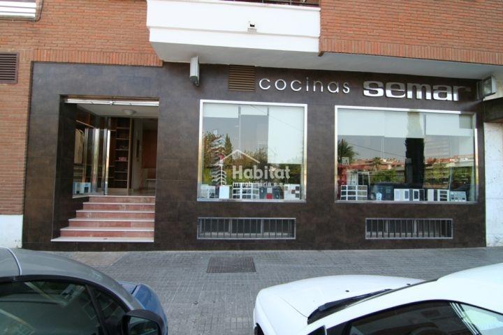 fachadas para locales comerciales