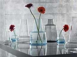 Floreros y jarrones de decoración.