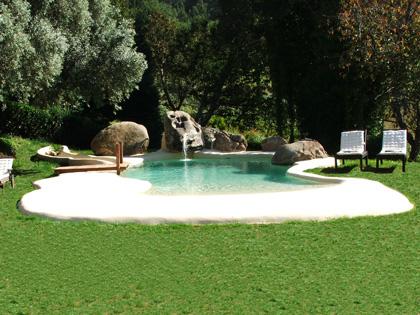 Plano de casa rural pequeña con piscina 2