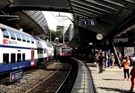 Estación de ferrocarril      de Stadelhofen